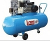 Lam 20/3m/easy 200 lt με κεφαλή μαντεμι τροχηλατος δικυλινδρος με ιμάντα Αεροσυμπιεστής Εμβολοφόρος με ιμάντα 200/3M/EASY Τύπος Εμβολοφόρος με ιμάντα Αεροφυλάκιο: 200Lt Κεφαλή μαντέμι Ισχύς: 3HP Παροχή: 358Lt/min Μεγ.Πίεση: 8bar Τάση: 230V Βάρος: 80kg
